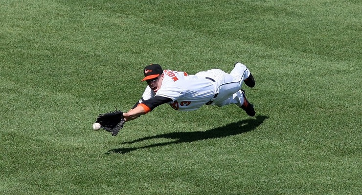 There are a lot of physics behind making a catch like this. (via Keith Allison)