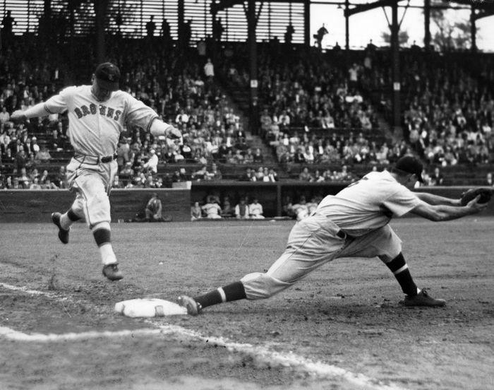 old-baseball-teams-sl-browns-play