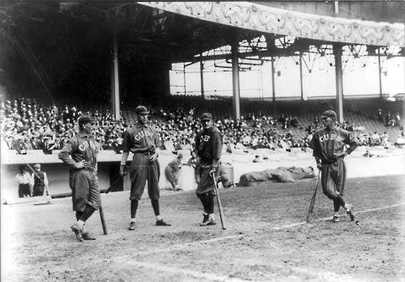 old-baseball-uniforms