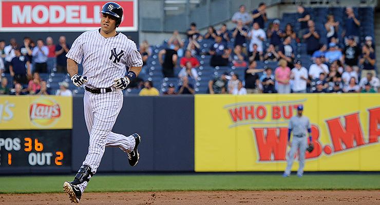 Mark Teixeira has popped a broken-bat homer or two in his day. (via Arturo Pardavila III)