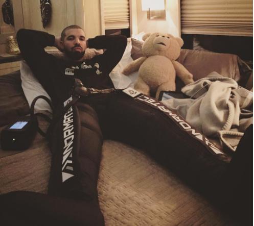 Drake using Normatec therapy. (via Normatec)